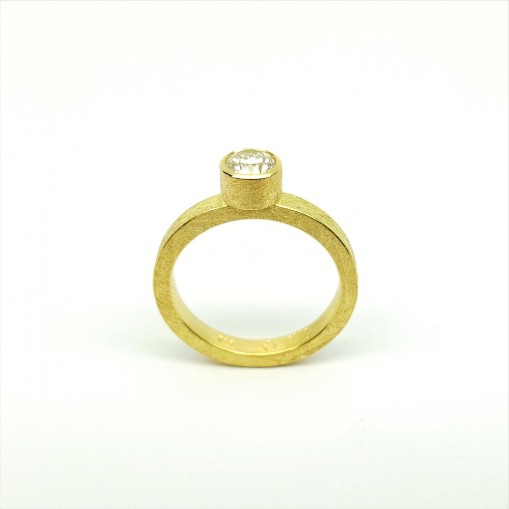 Bague en or jaune 18kt et brillant à 0,51ct G/IF