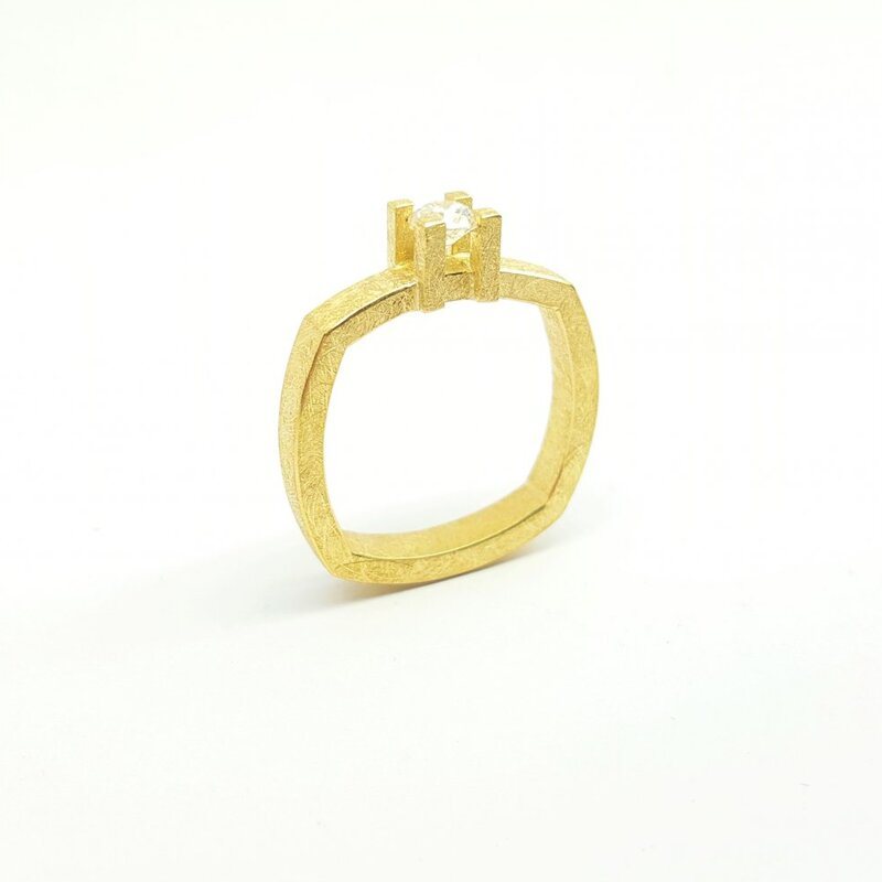 Bague en or jaune 18kt et brillant à 0,25ct.