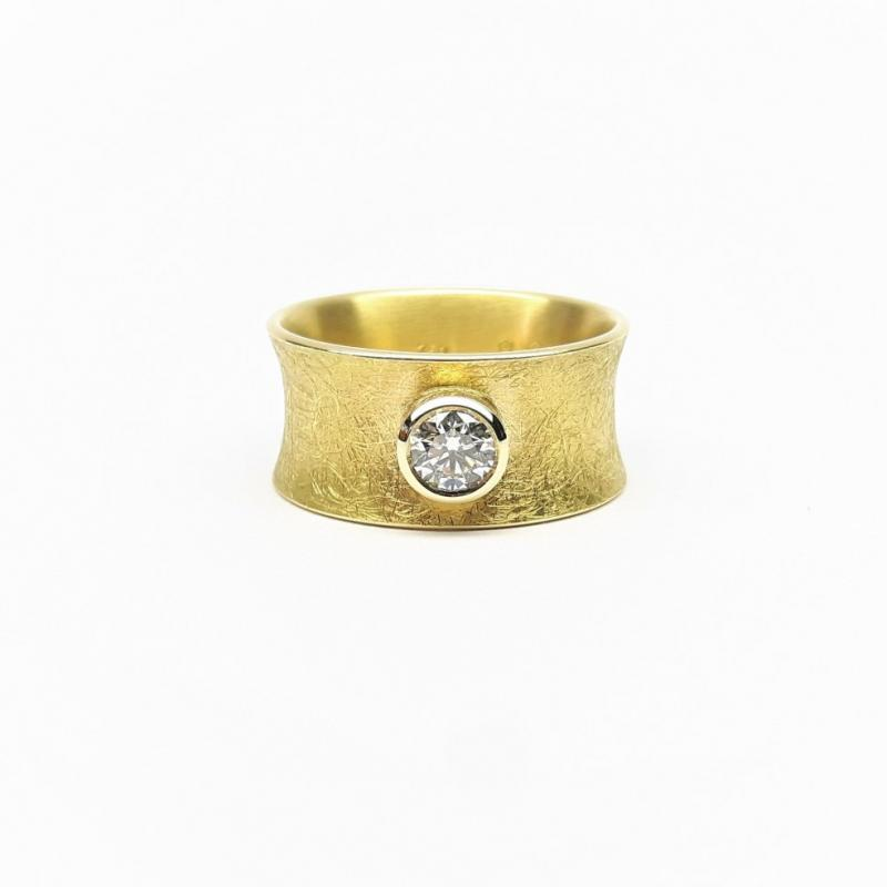 Bague or jaune 18kt et diamant 0,40ct.